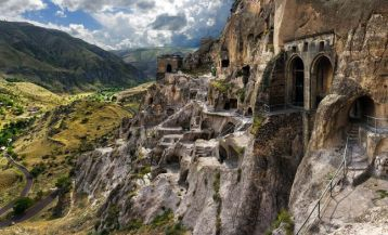 The Legend of Vardzia
